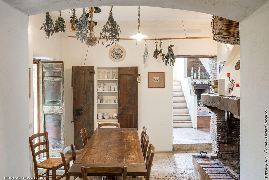 Interni di toscana saturnia 2 conchiglie in maremma for Foto di case antiche