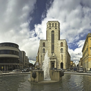 Piazza della Vasca con il palazzo cosimini