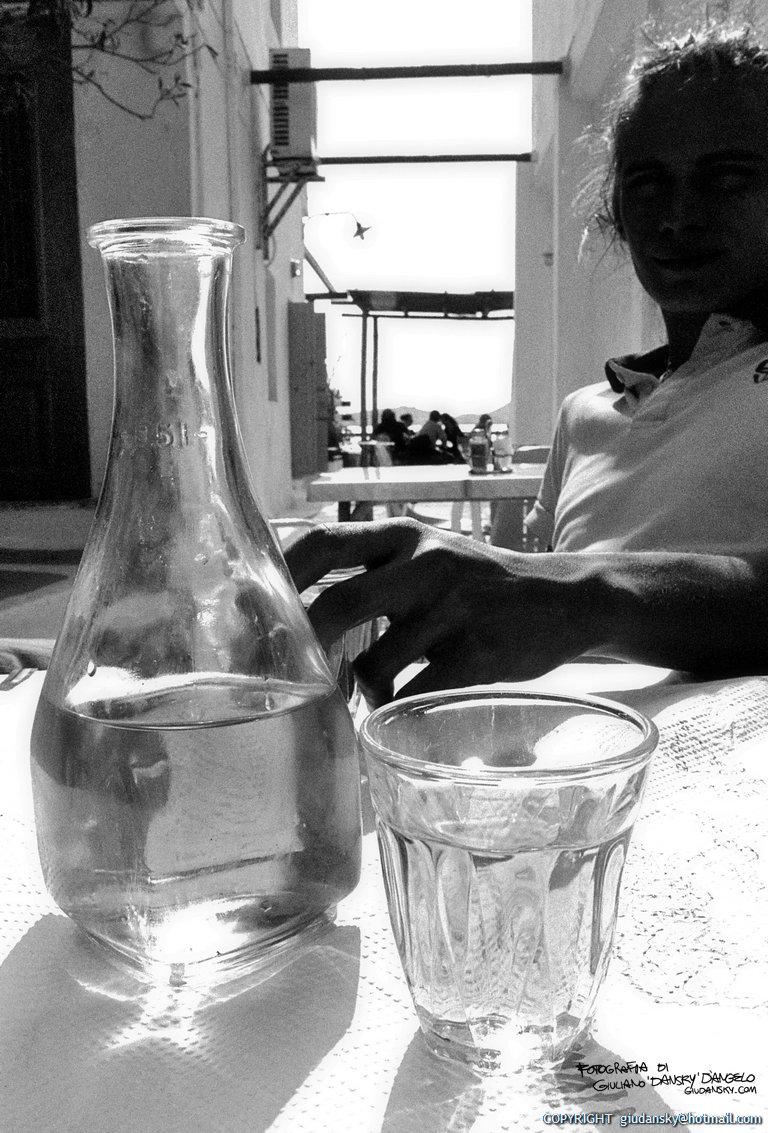 sergio vino amorgos_bw